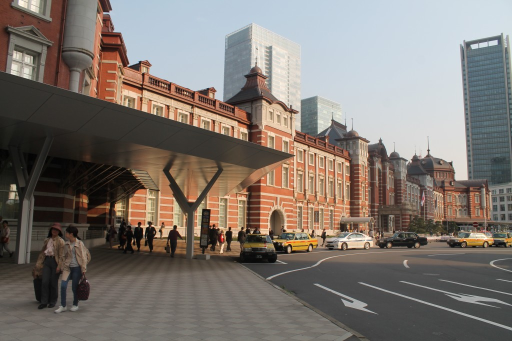 The Magnificent Tokyo Station (東京駅)